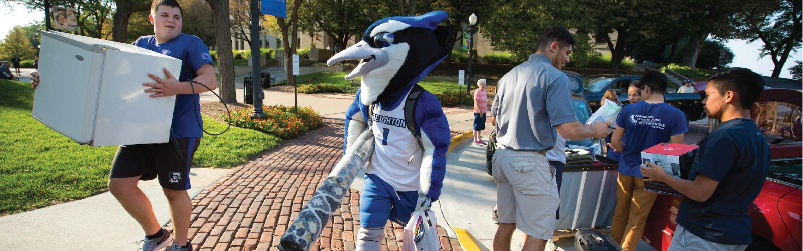male student moving into Creighton